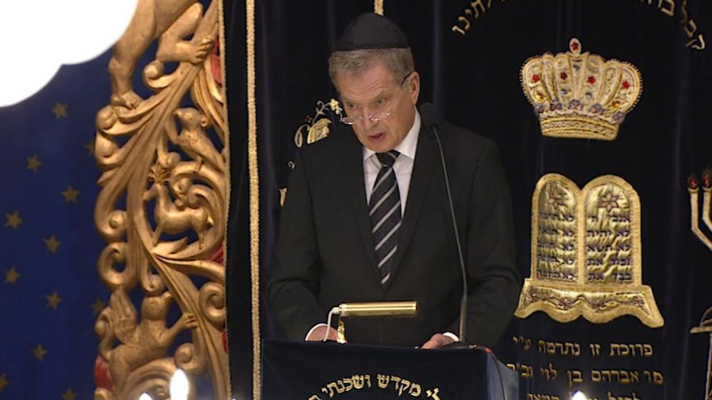 Holokaustin muistojuhla synagogassa
