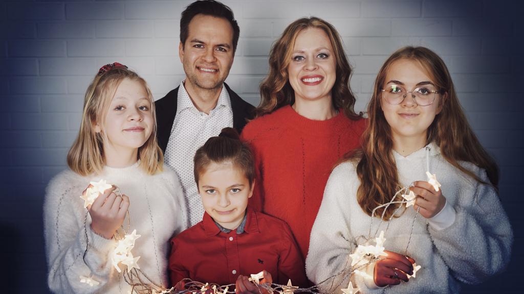 Joululauluja Apan ja Erikan kotona