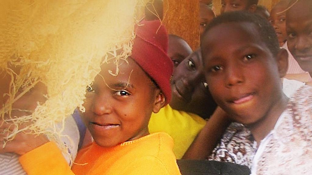 Savimajan lapset leirillä