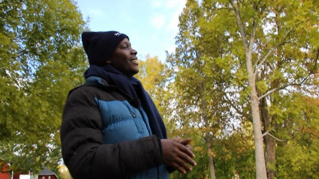 Isaac Ssenyonjo on endine moslem, kes leidis teismelisena Kristuse ning kelle elu muutus pärast seda täielikult. Ta juhib Ugandas ülikoolides jumalateenistusi, millel osalevad tuhanded tudengid. Saates räägib ta oma elust.