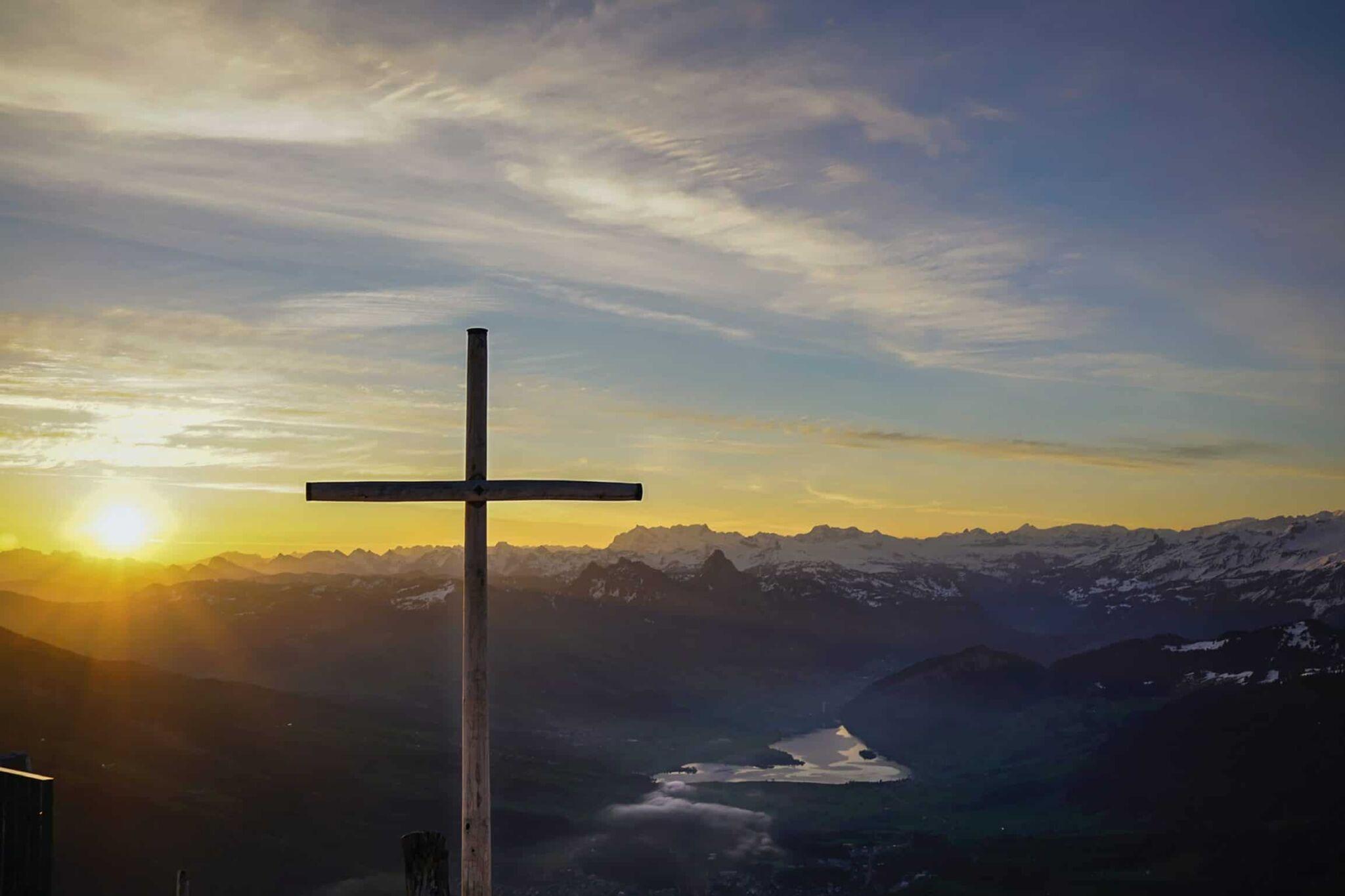 Adventin aloittaa jumalanpalvelus Karjalohjan kirkosta